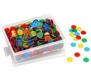 Große Plastikdose gefüllt mit 1000 farbtransparenten Chips