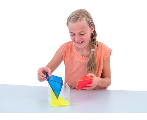 Modell Wuerfel zerlegbar in 3 raumgleiche Pyramiden-5