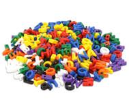 Kunterbunte Fädelbuchstaben, 288 Stück