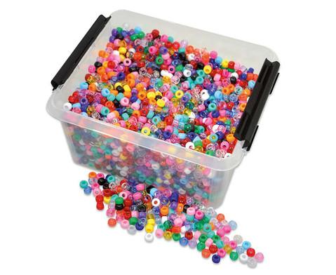 Kunststoff-Perlen in der Kiste-1