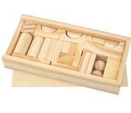 Box mit kleinen Bauklötzen aus Holz