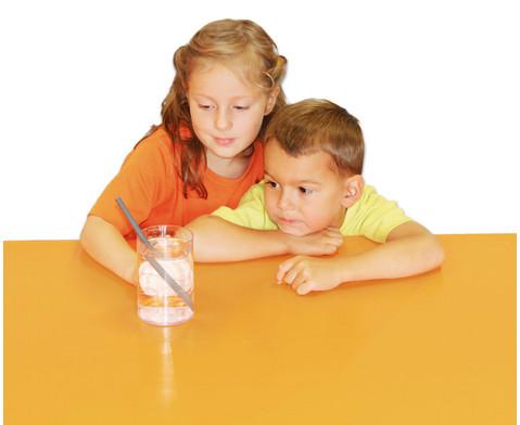 Anja und Leon experimentieren mit Licht und Schall-2