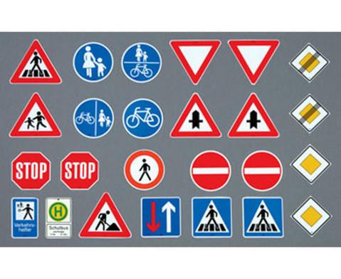 Grosse Verkehrszeichen-2