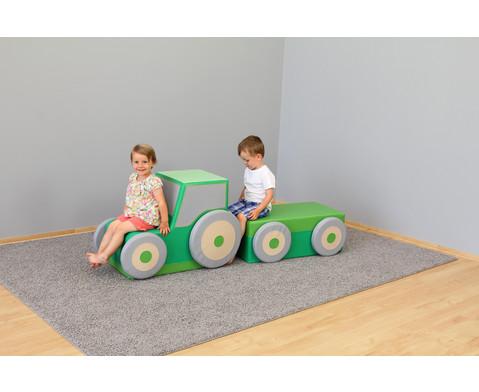 Polster-Traktor mit Anhaenger-3